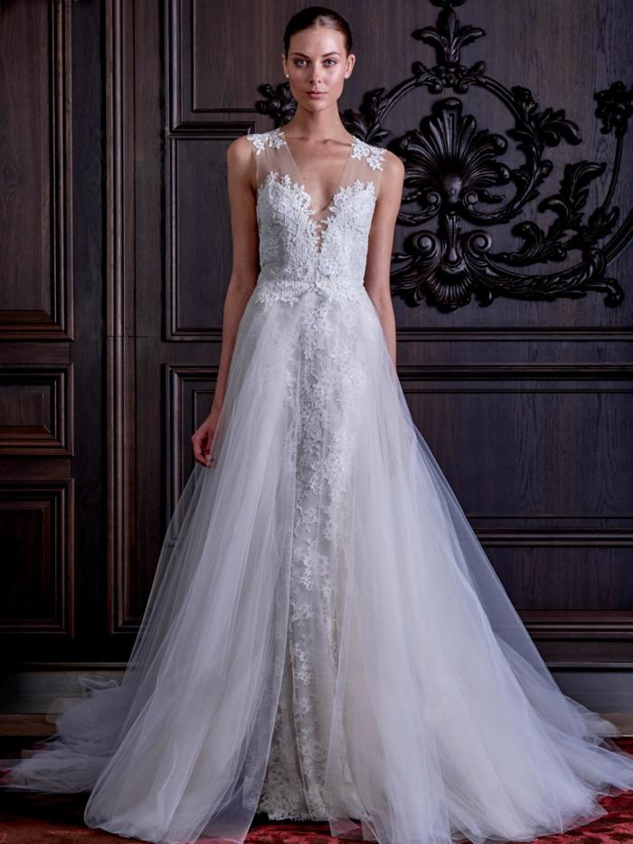 tendencias vestidos de novia cortos y largos, precioso modelo corte princesa con encaje y tul