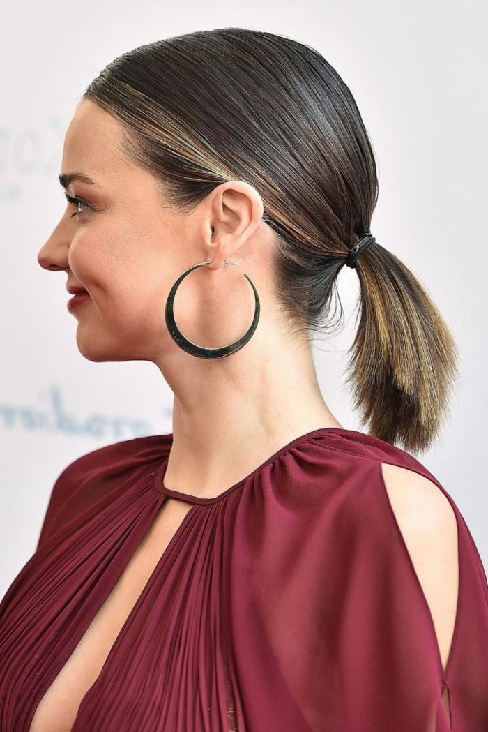 pelo corto recogido en melena baja, tendencias cabello 2018, ejemplos de peinados con cola alta y baja