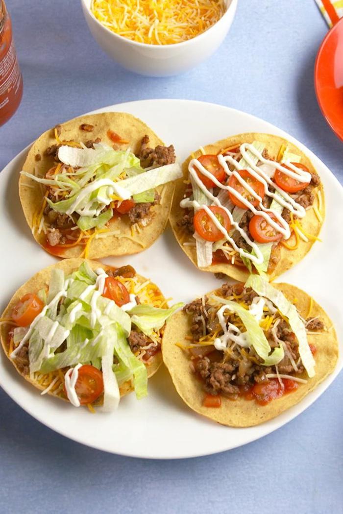 comidas rapidas y sencillas y muy sabrosas, pequeños tacos con carne de ternera, verduras y mayonesa casera