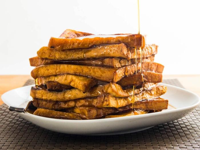 tostadas con miel, un desayuno fácil de hacer con mucha energia, que comer hoy ideas originales y ricas
