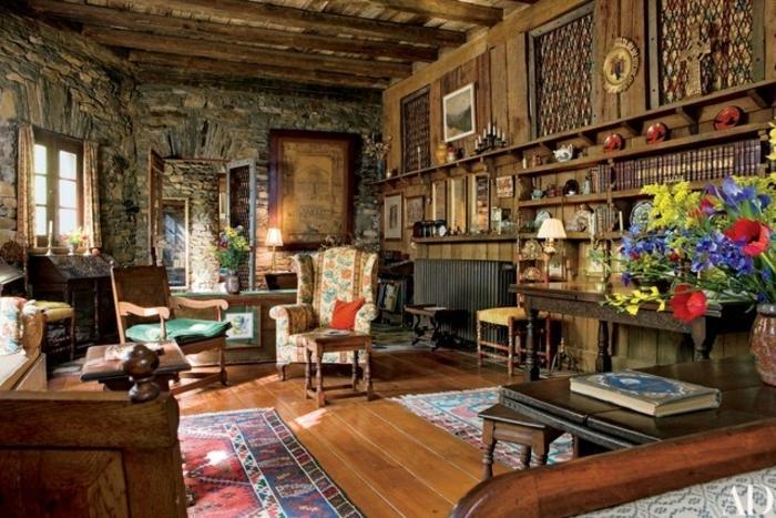 precioso diseño de salon rustico tradicional con muebles vintage y elementos de piedra y madera, decoracion salon rustico con motivos florales