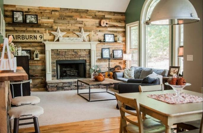 casa acogedora con decoracion rustica, paredes de madera y suelo de parquet, ideas para decorar en estilo rustico urbano