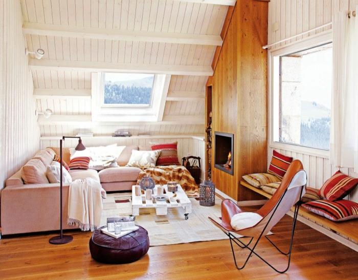 decoracion moderna de un salon abuhardillado, espacios modernos con decoracion rustica, sofá tapizada de terciopelo color rosa