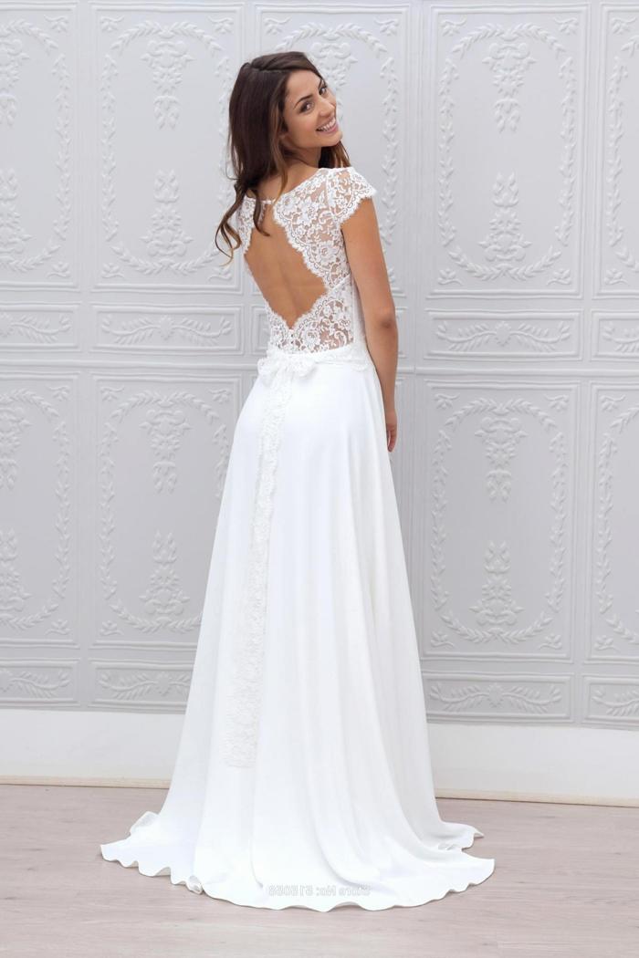 propuestas trajes de novia baratos con larga y amplia falda con moño en la cintura y espalda de esncaje descubierta