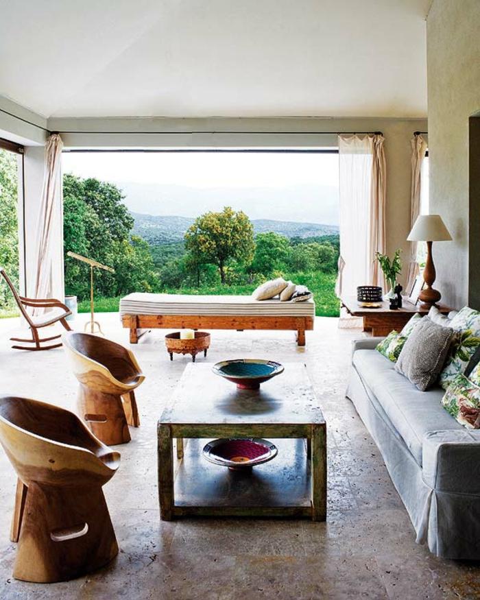 decoracion salon rustico con muebles de madera y sofá moderna, grande salon con vista