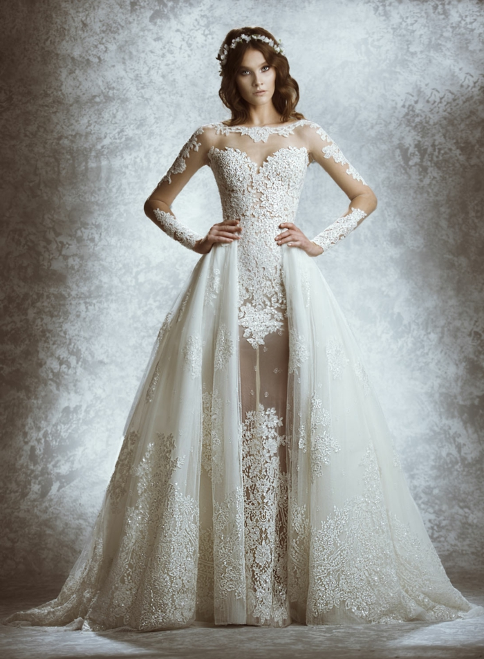 elegante vestido con falda muy amplia, partes de tul y encaje, trajes de novia baratos tendencias 2018