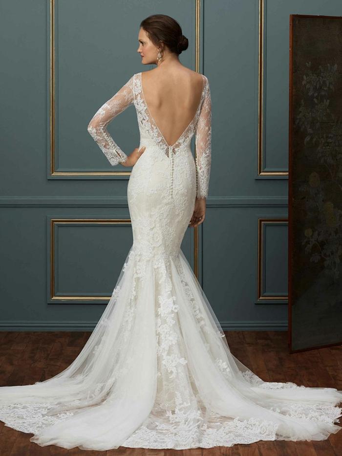 vestidos de novia precios, variante clásico de vestido de novia de encaje corte sirena, larga falda con tul bordado