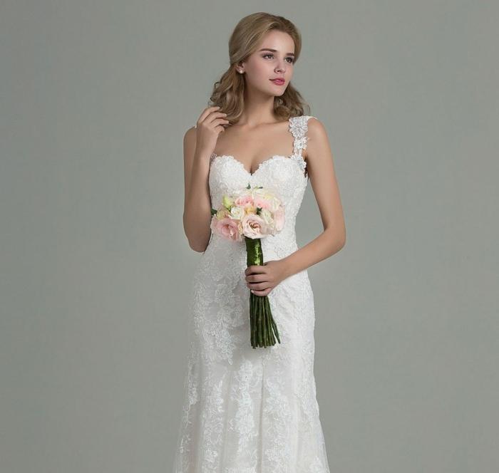 diseño de vestido novia corto de encaje, precioso modelo de diseño clásico con correas de encaje