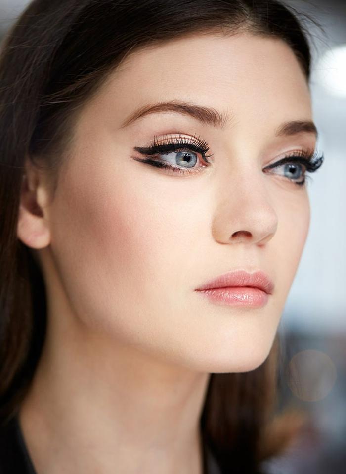 tenencias en el maquillaje 2018, cómo hacer open wings, como maquillarse los ojos con tutoriales paso a paso