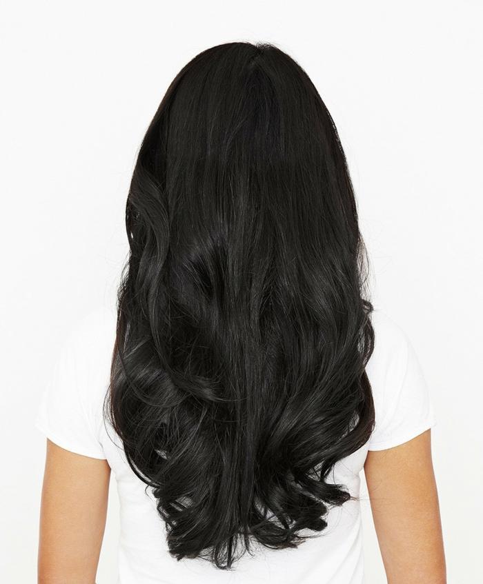 cabellera negra con rizos en las puntas, corte de pelo oval, cortes de pelo modernos 2018 primavera verano