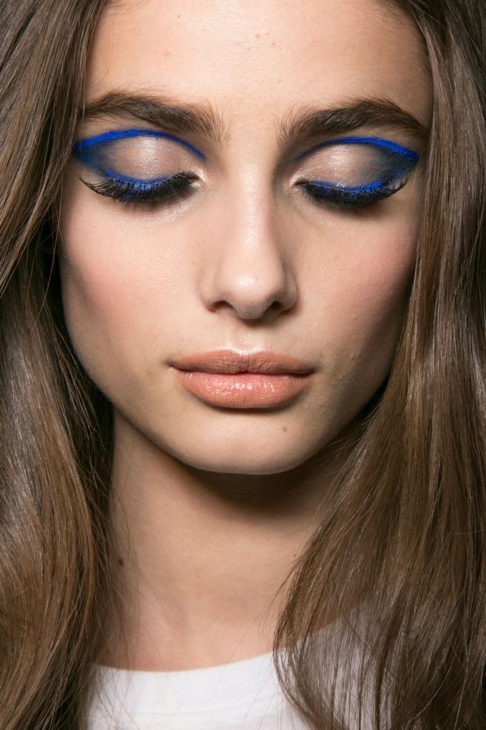 tendencias en el maquillaje ojos 2018, maquillaje neutral con detalles inesperados y sofisticados