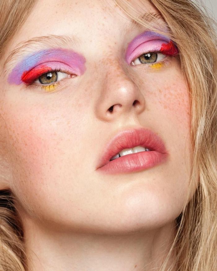 tendencias en el maquillaje ojos para la nueva temporada, sombras de ojos en tres colores llamativos