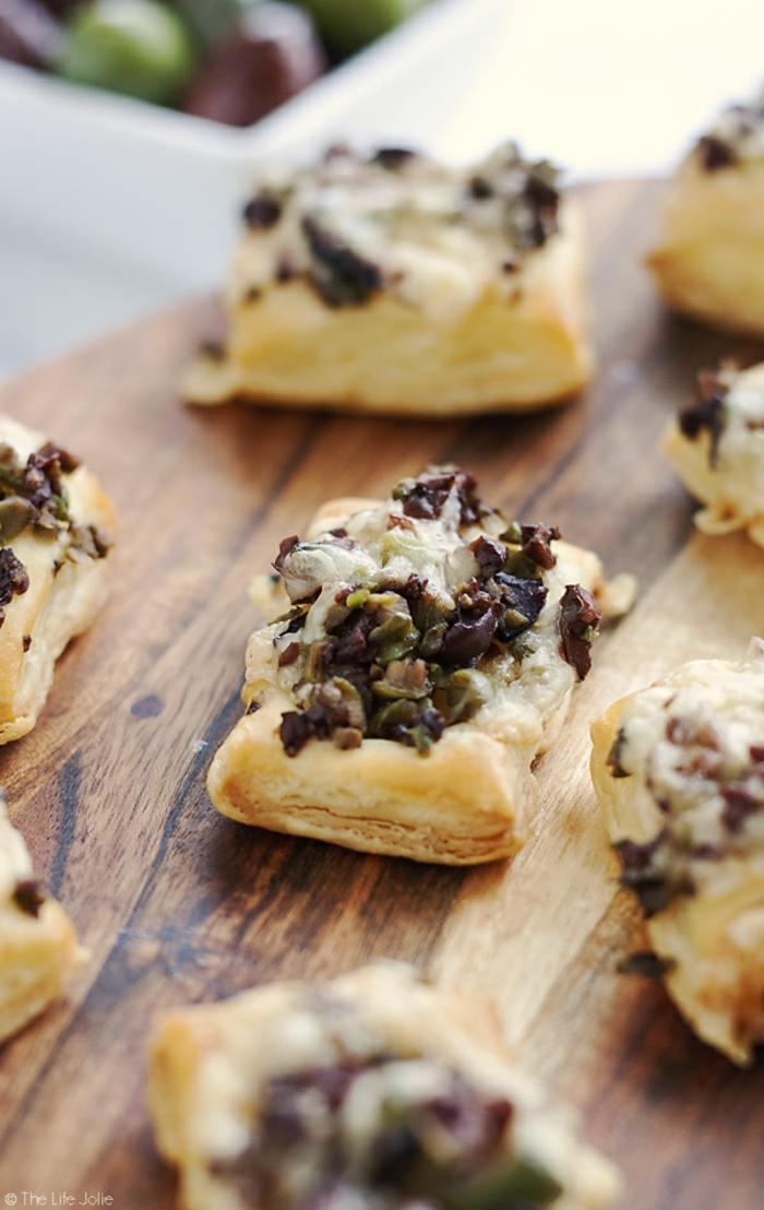 mini empanadas super ricas ideales para picoteo, pinchos faciles paso a paso, empanadas con aceitunas y quesos