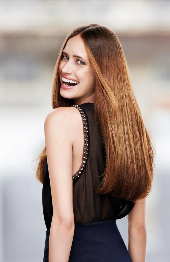 melena larga corte de pelo recto color pelirroja, cortes de pelo modernos mujer 2018