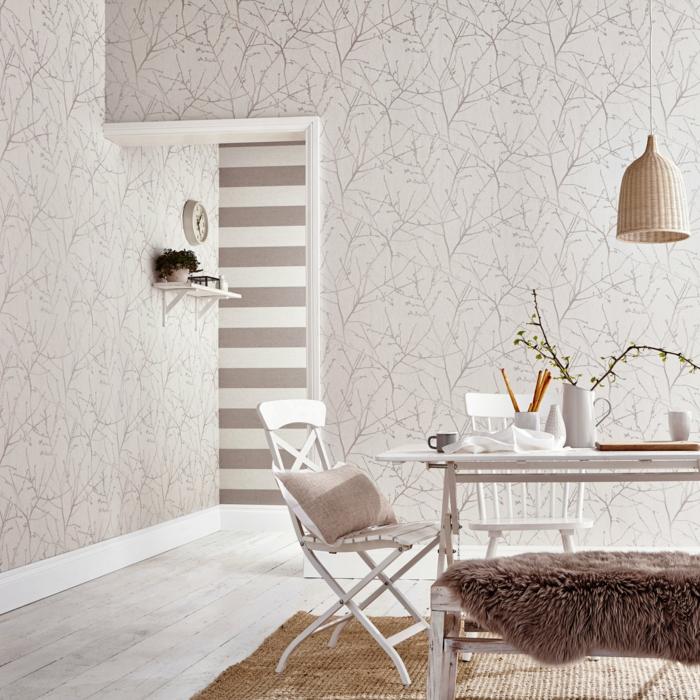 papel pintado habitacion en color claro con dibujos de ramos de árboles, comedor decorado en estilo escandinavo