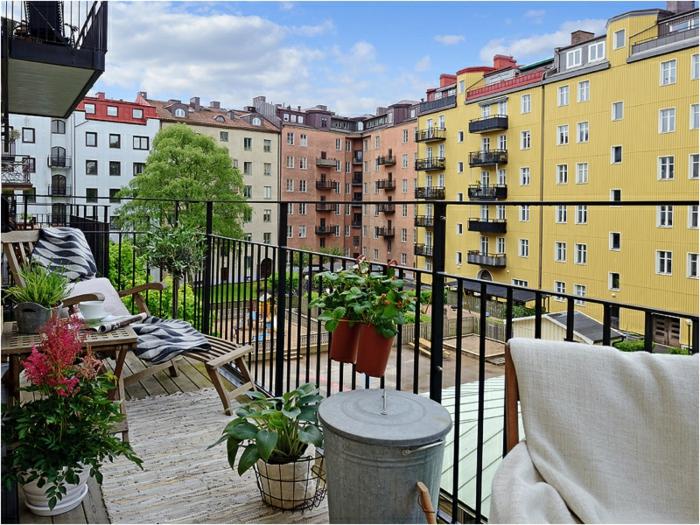 terrazas de encanto con vista, decoracion terrazas aticos tendencias 2018, espacio relajado con muebles de madera
