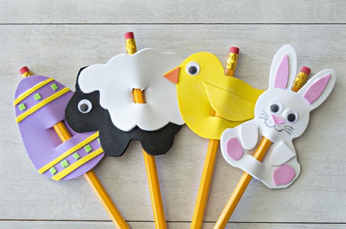 preciosas muñecas goma eva DIY para decorar lápices, muñecos en forma de huevo de pascua, obeja, ave y conejo
