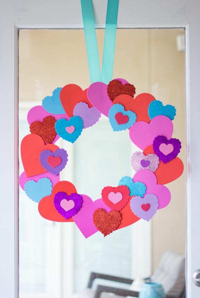 preciosa corona goma eva paso a paso, corona decorativa hecha de corazones DIY en diferente color