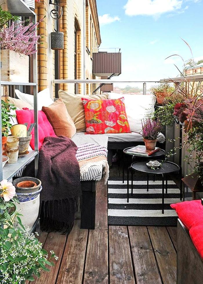 tendencias decoracion patios con piscina y terrazas pequeñas, decoracion espacio de relax
