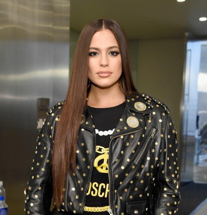 cortes de pelo 2018 mujer tendencias, cabellera muy larga y alisada con degradado en la parte frontal