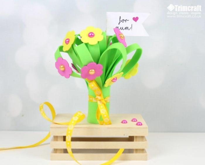 bonitos proyectos DIY para el día de la madre, manualidades de goma eva, flores coloridos hechos a mano