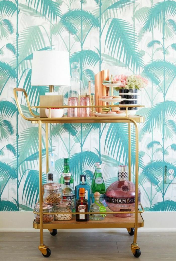 preciosa decoración de las paredes con papel pintado baratocon motivos botánicos en blanco y verde