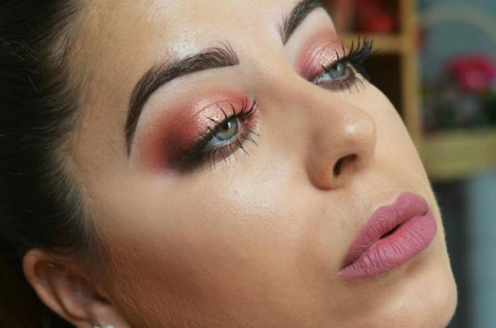 ideas sobre como maquillarse bien los ojos, sombras en color naranja y labios en rosado