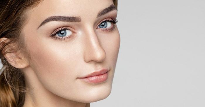 consejos útiles sobre como maquillarse bien, tendencias 2018 maquillaje sencillo y natural