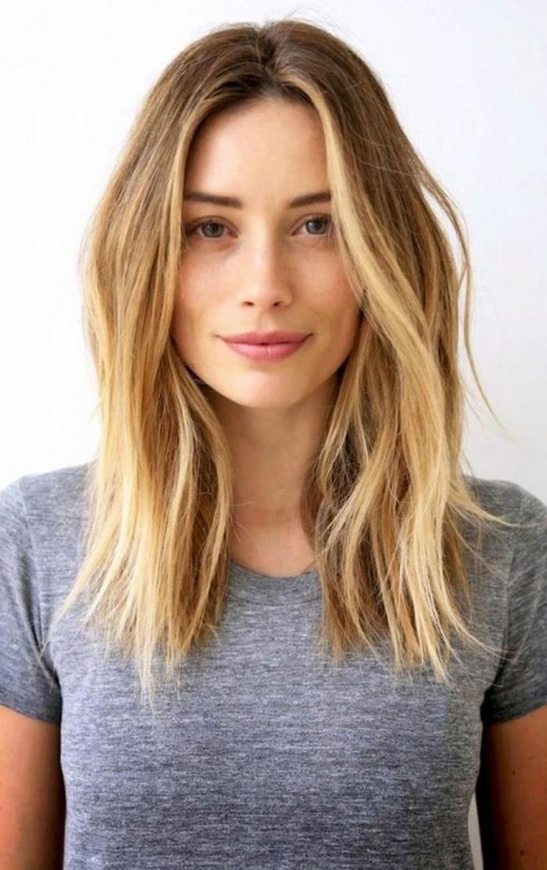 ideas corte de pelo bob pelo largo, cabello rubio con mechas más claras, tendencias peinados mujer nueva temporada