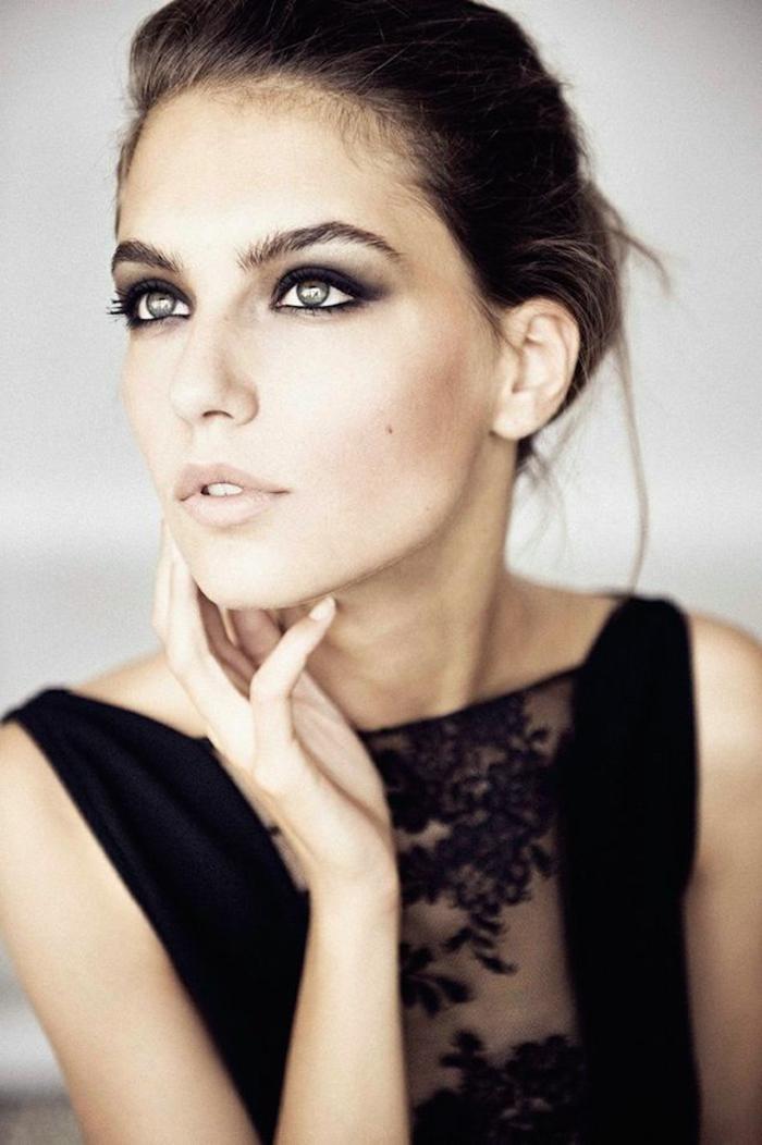 aprender a maquillarse como una profesional, mirada ahumada en negro y gris, maquillaje para ojos grises
