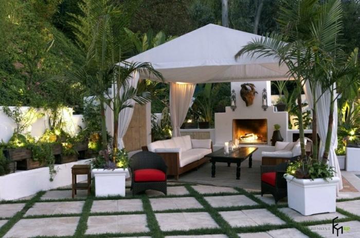 ideas modernas de decoracion exteriores, grandes pérgola con cortinas en blanco y muebles de diseño
