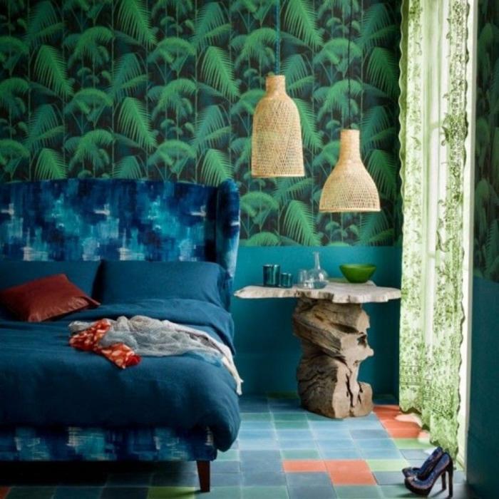 ideas de decoración de un dormitorio en tonos saturados del azul y al verde, papel pintado barato motivos botanicos