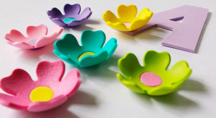 como hacer flores de goma eva paso a paso, preciosas figuras de flores hechas de foamy para regalar o decorar la casa