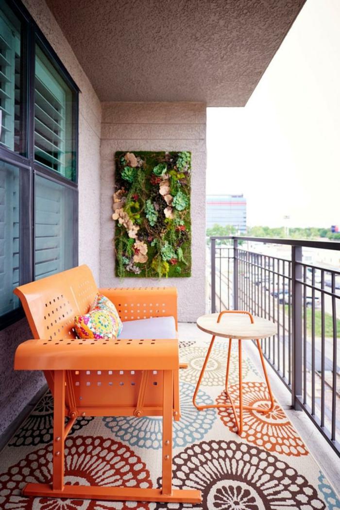 ideas para decorar terrazas pequeñas, muebles modernos en colores llamativos, jardinera vertical original