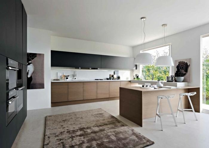 cocina americana con alfombra de terciopelo en color marrón oscuro, ventanas grandes y lámparas de media esfera
