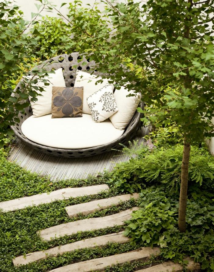 ideas para espacios exteriores pequeños, como decorar un jardin pequeño según las últimas tendencias paisajistas
