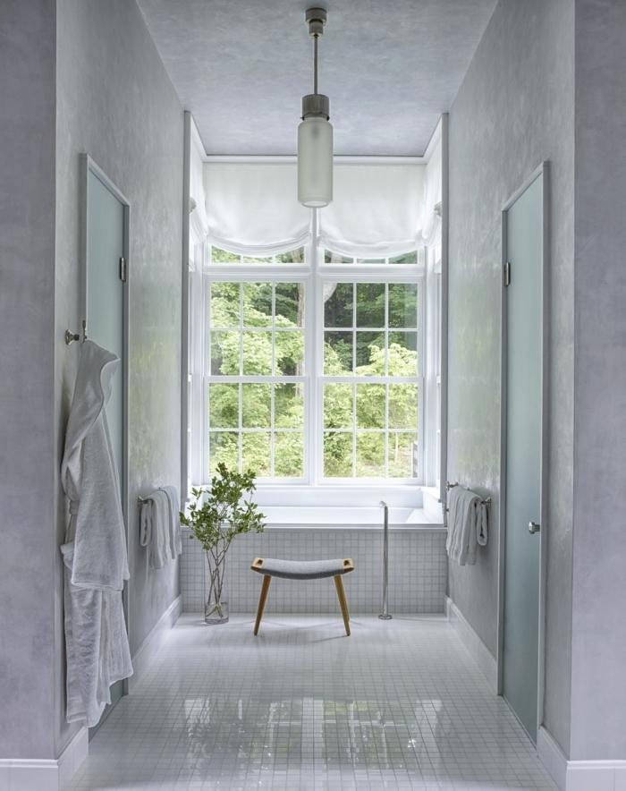 baños blancos modernos decorados en estilo minimalista, cuarto de baño decorado en blanco y gris con decoracion de plantas verdes