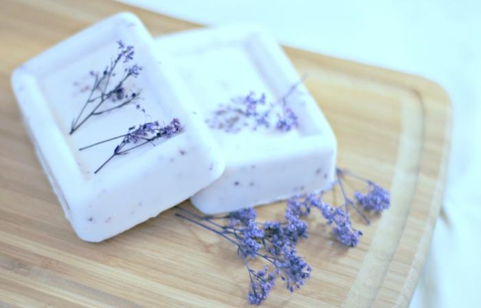 como hacer jabon casero con lavanda paso a paso, recetas de jabones naturales artesanales para regalar