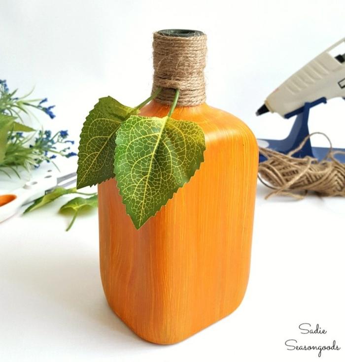 ideas de reciclaje botellas de plastico decoradas, preciosas ideas DIY paso a paso, plantas verdes artificiales