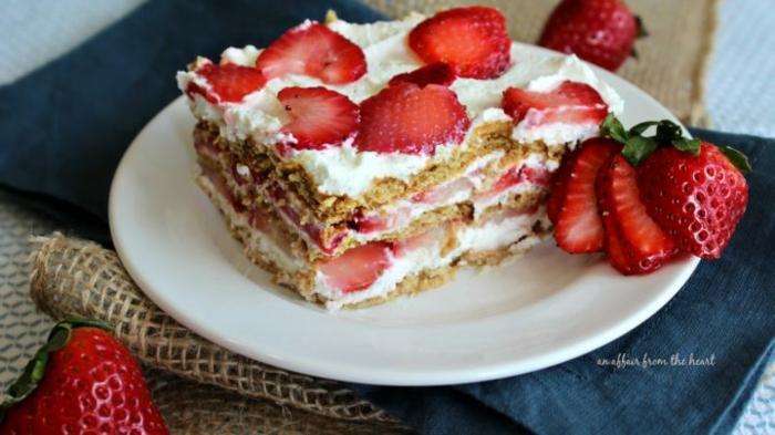 tarta de fresas con mascarpone, fotos de postres caseros ricos y faciles de preparar en casa, tarta con fresas