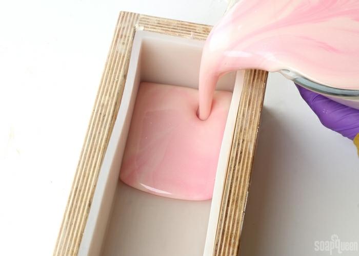 recetas fáciles y originales sobre cómo hacer jabón casero, jabones naturales decorativos para hacer en casa