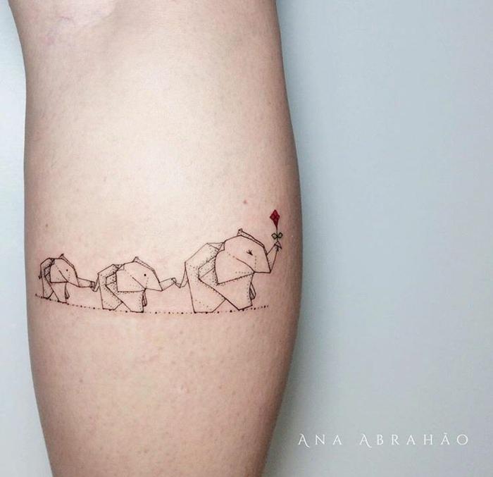 tatuaje elefantes en fila, ideas tatuajes familia simbolos, tatuaje mujer en el antebrazo, ideas originales tattoos con mensaje