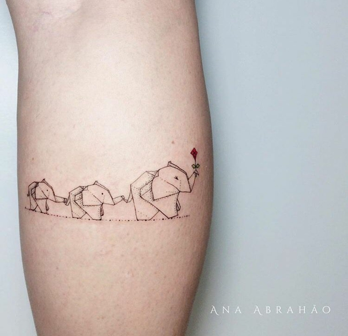 tatuaje elefantes en fila, ideas tatuajes familia simbolos, tatuaje mujer en el antebrazo, ideas originales tattoos con mensaje, ideas de tatuajes simbólicos de familia