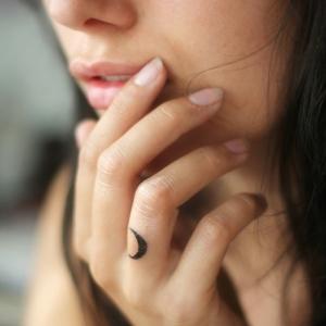 80 diseños de tatuajes finos para mujer ¡que simplemente enamoran!