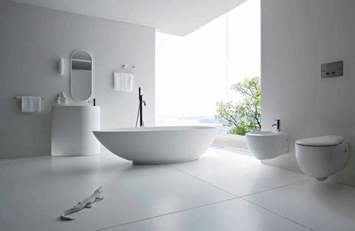 preciosas ideas de baños blancos decorados en estilo minimalista y muebles modernos, bañera extenta ovalada