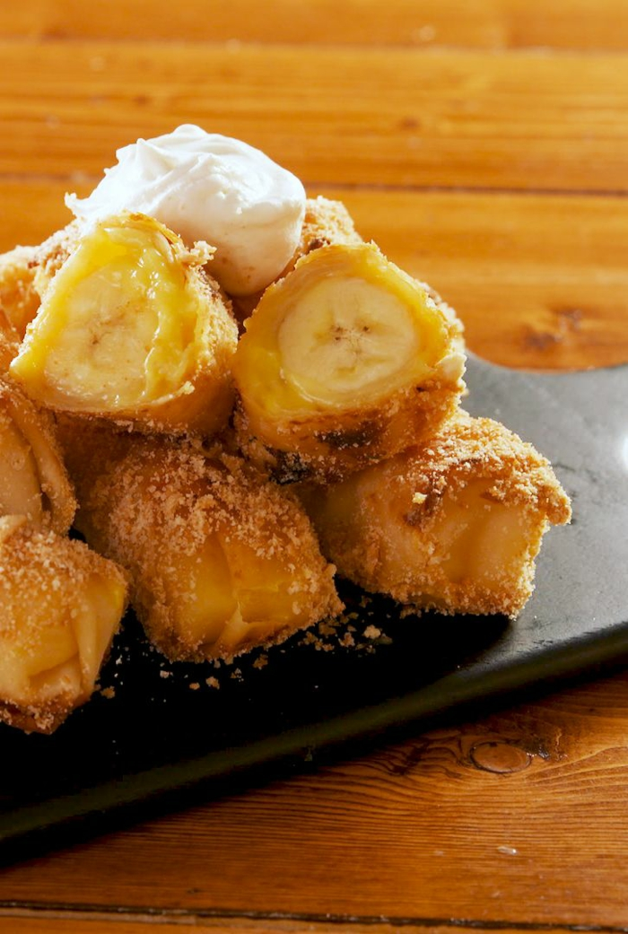 bocados con plátanos y hojaldre, ideas ricas de bocados dulces y fáciles de hacer, recetas de postres con hojaldre