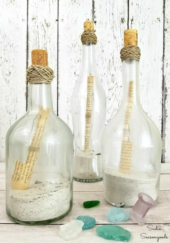 botellas de plastico decoradas y botellas de cristal con mensaje, ideas de manualidades para decorar la casa
