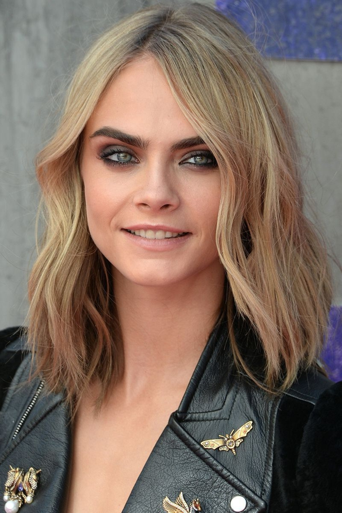 cortes de pelo 2018 media melena, Cara Delevingne con un corte de pelo moderno ligeramente rizado