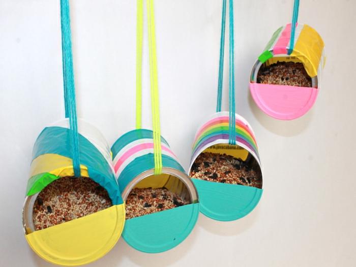 casitas de pájaros diy manualidades hechas de tubos de papel higiénico, ideas originales de manualdades