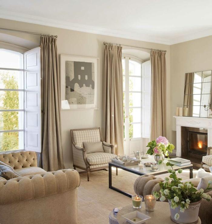 imagenes de salones con mesa cuadrada de vidrio y muebles en estilo vintage